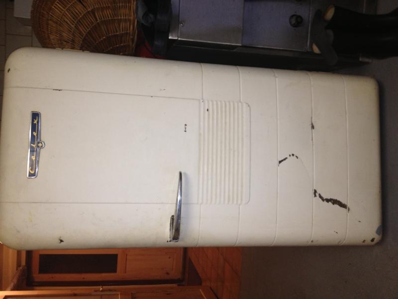 d918951db Predám chladničku-práčku z 50 rokov - burza starožitností ...