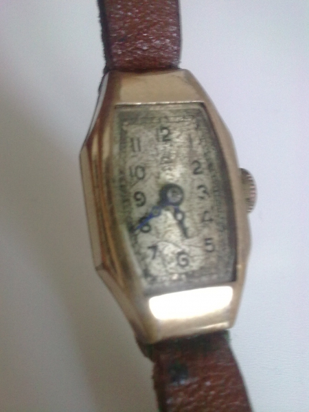 Predám starožitné dámske náramkové hodinky. - burza starožitností ... 10baec14ee