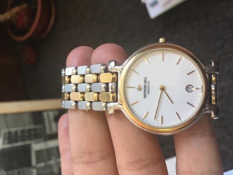 Predám švajčiarske hodinky značky Raymond Weil - burza starožitností ... 3d2d9bfb485