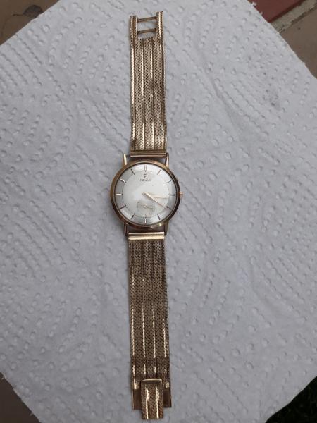Predám starožitné hodinky REVUE - burza starožitností ... 44ce74252a