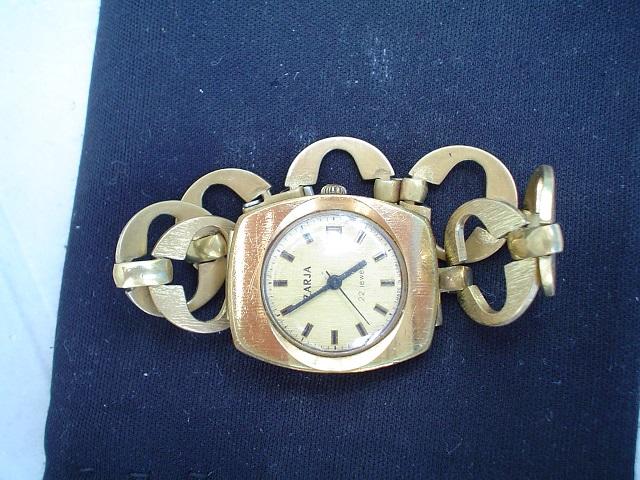 Dámske ruské náramkové hodinky ZARJA - burza starožitností ... 9dcc71d2b8